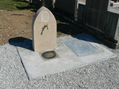 Fontaine du cimetière